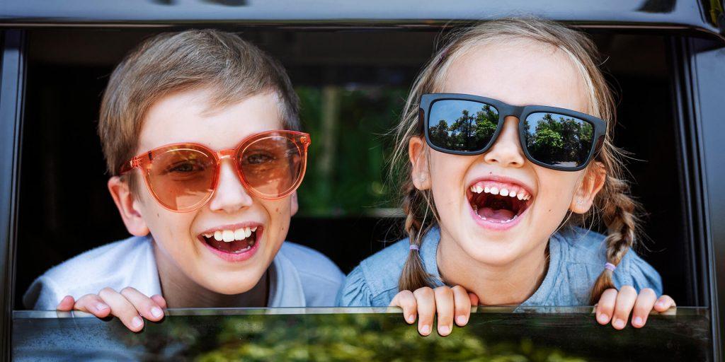 Πρέπει τα παιδιά να φορούν γυαλιά ηλίου;